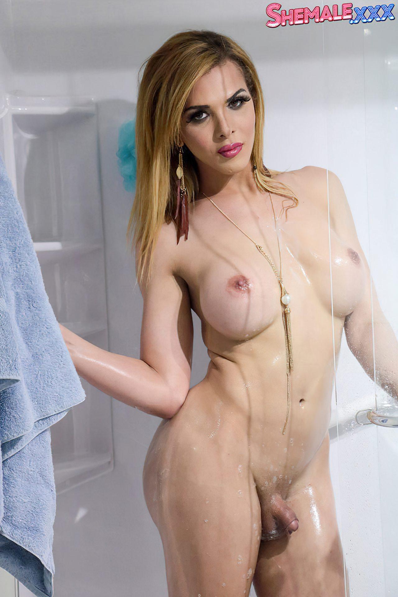 Gostosa Pronta Para Banho (6)